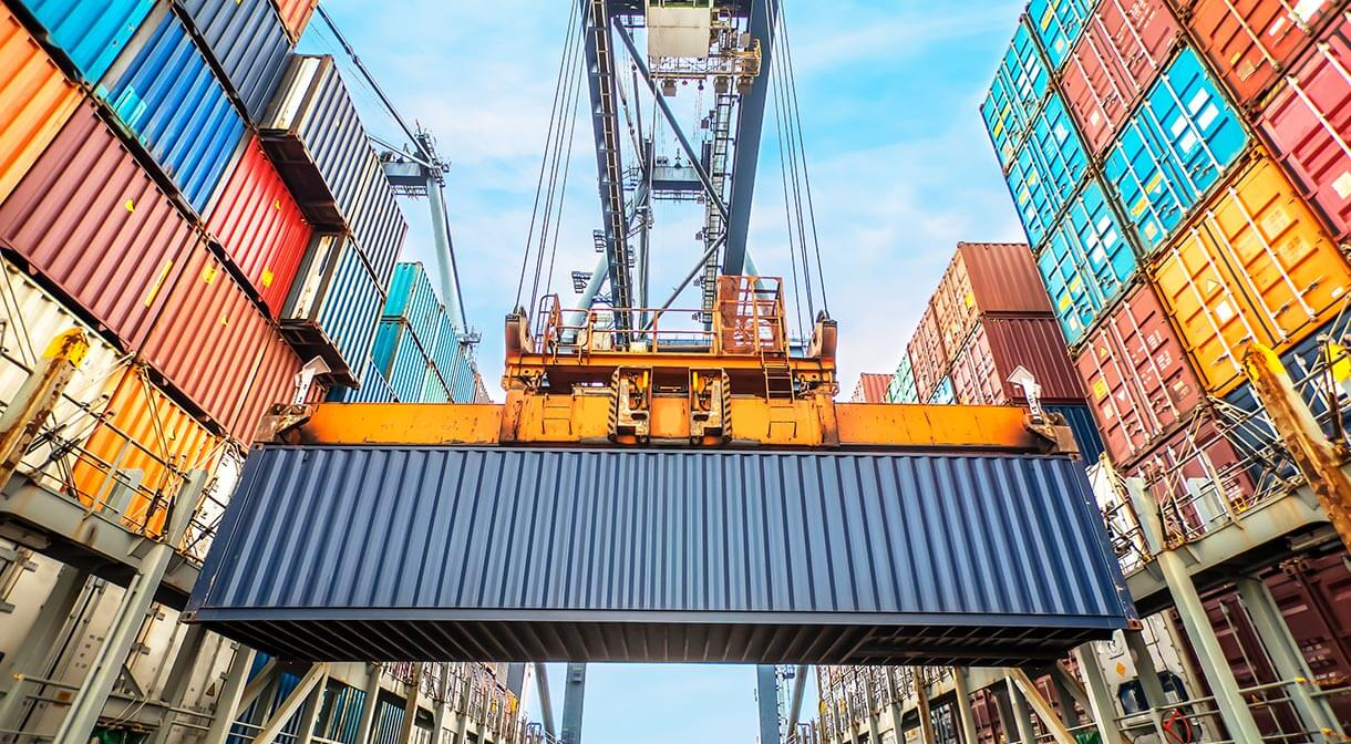 WHETHER YOU SHIP CONTAINERS OR PARCELS, FREIGHT BILL